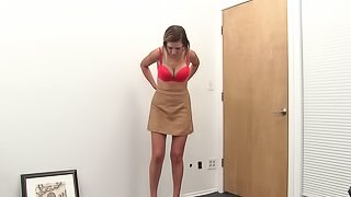 Valerie makes her pussy wet before being fucked well