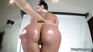 Kendra Lust in Break the Internet Kendra Lust Video