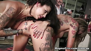 Paula Rowe & Bonnie Rotten in Squirting And Fisting Baby! - MagmaFilm