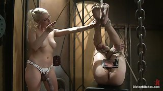 Lorelei Lee gets her muff...